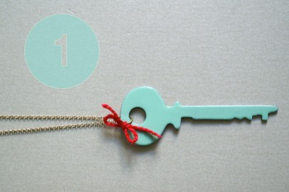 retro style DIY key necklace
