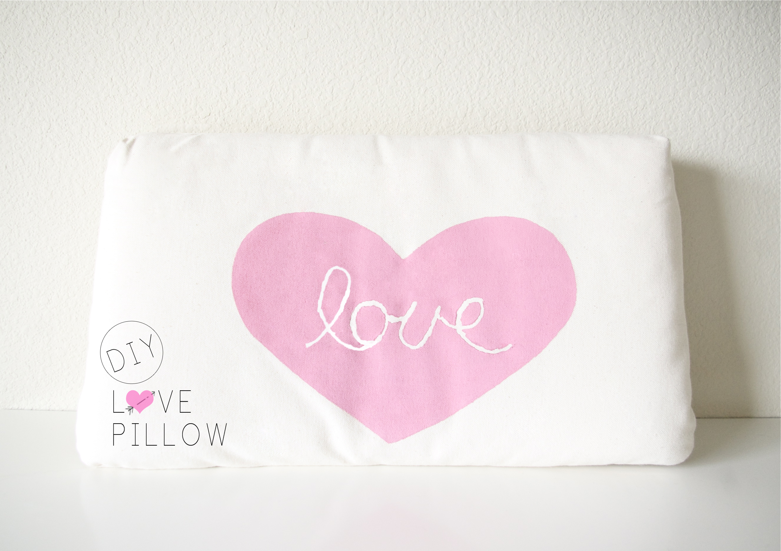DIY love pillow & DIY // Love Pillow | Sugar \u0026 Cloth pillowsntoast.com